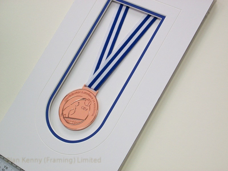A simple, classic mount design was used for this medal